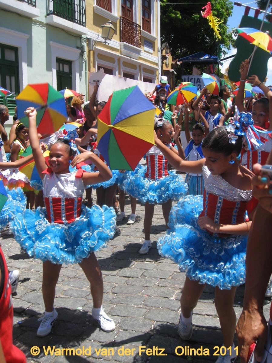 Carnaval, Brasil, Recife-Olinda (Pernambuco), la danza Frevo y la escuela de Frevo de Pernambuco