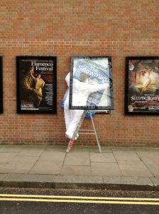 Cartel Flamenco 2013 SADLER's WELLS en la pared del edificio