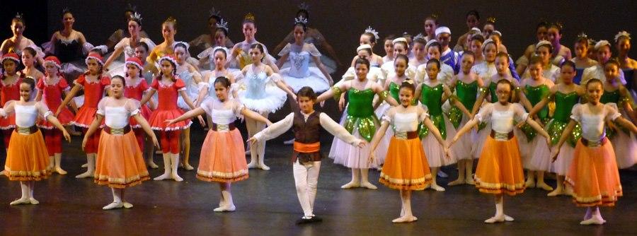 Unos minutos de homenaje a escuelas, profesores de danza, y alumnos... los festivales de final de curso de junio (2/5)