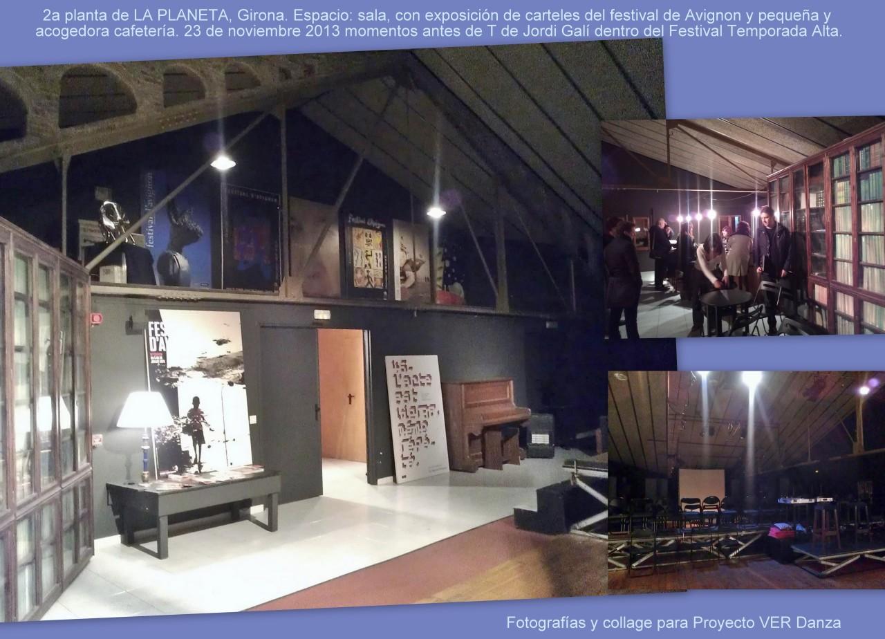 Rincón en la 2a planta de la Sala La Planeta: sala con exposición de carteles del Festival de Avignon y pequeña cafetería