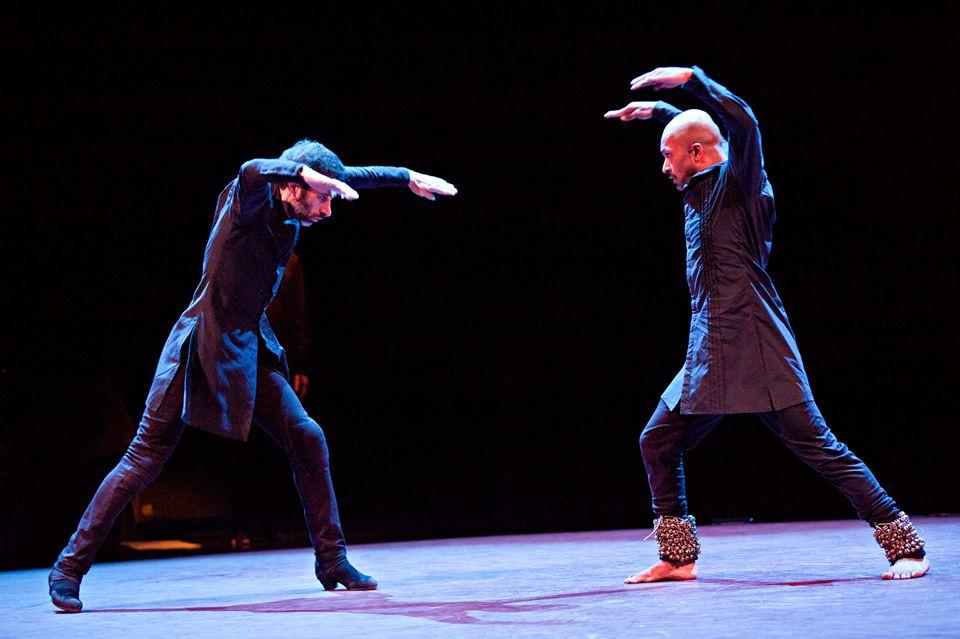Dicho y hecho, un grupo de 24 vimos el fantástico estreno de TOROBAKA de Khan y Galván en el MERCAT el viernes. Y entre hoy sábado y mañana domingo irán 7 personasmás