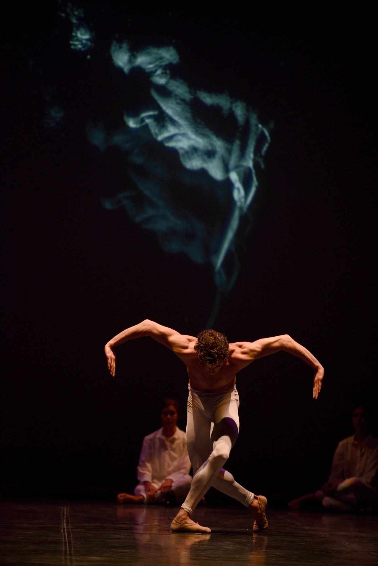 En EL SUR, música y baile, Morente y Ullate, tanto monta monta tanto. Post para el día de Santa Cecilia patrona de losmúsicos