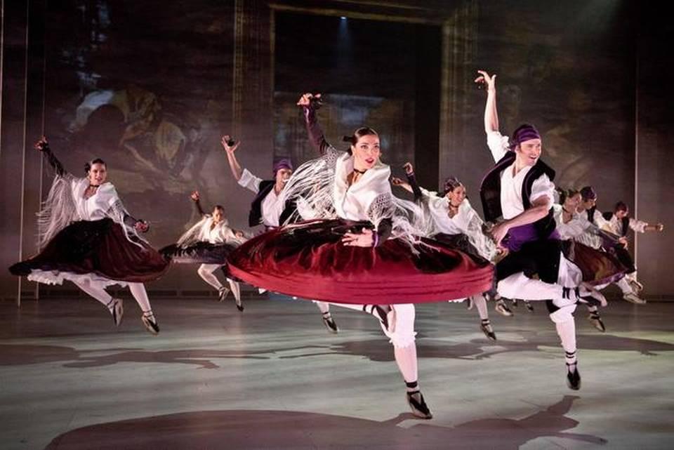 Escena de jota aragonesa en SOROLLA del Ballet Nacional de España. Fotografía: Stanislav Belyaevsky