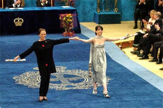 Premio Príncipe de Asturias entregado en el 2005 a las bailarinas Maya Plietskaya y a Tamara Rojo.