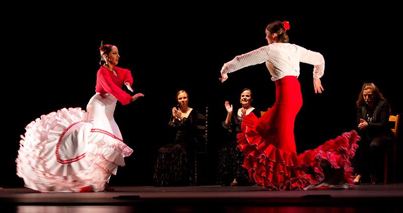 Fotografía publicada en la revista on-line DEFLAMENCO.COM con motivo de la actuación de Belén Maya con LOS INVITADOS en el Festival de Flamenco de Nimes en Enero 2015.