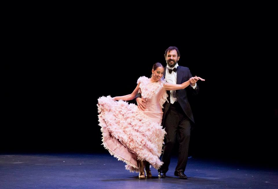 Momento de ensueño de Belén Maya en LOS INVITADOS bailando Cheeck to Cheeck. Fotografía de CIUTAT FLAMENCO. www.facebook.com/ciutatflamenco