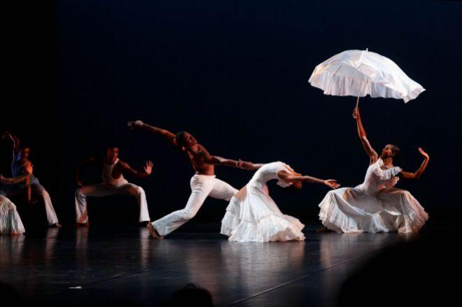 'Revelations' en el Alvin Ailey American Dance Theatre PIERRE WACHHOLDER