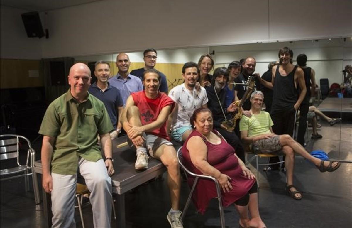 israel-galvan-presenta-grupo-del-espectaculo-fiesta. Fotografía de Albert Bertran publicada por EL PERIODICO.